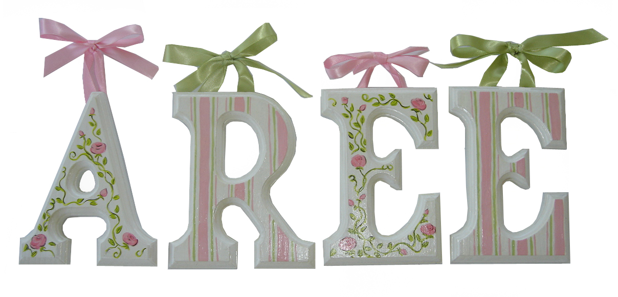 aree 6 wooden letters